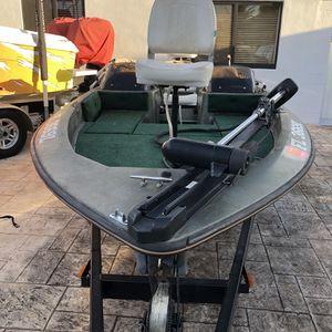 BUJ Bass Tracker Marine for Sale in Hialeah, FL