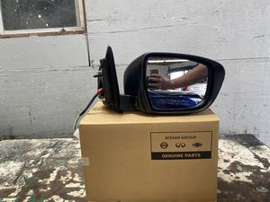 2017 2019 2020 Nissan rogue sport right side mirror OEM part working condition for Sale in Los Angeles, CA