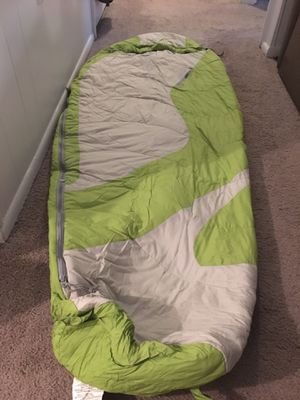 Kelty women's 20 degree mummy bag for Sale in Winter Park, FL