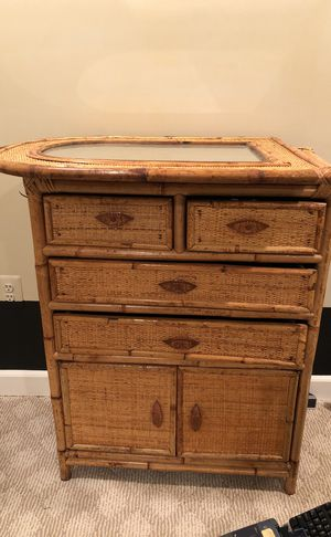 Dresser Chest with Mirror for Sale in Ashburn, VA