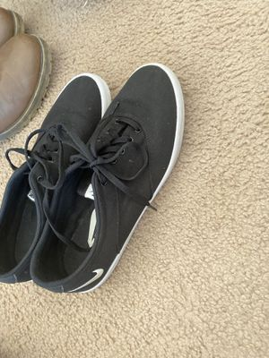 Black an white casual women's Nike shoes size9 for Sale in FT LEONARD WD, MO