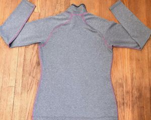 Women Patagonia light weight sweater/ top M for Sale in Eagan, MN
