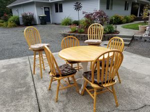"""42"""" kitchen table with 4 chairs plus 2 bar stools. for Sale in Lacey, WA"""