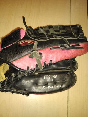 "Rawlings Girl 12"" Fast Pitch Softball Glove for Sale in Dallas, TX"