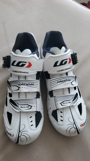 Cycling shoes women's 8.5 spin shoes for Sale in Round Rock, TX