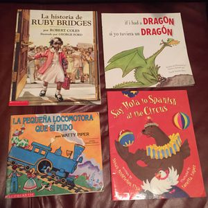 Spanish children's book lot for Sale in Joint Base Lewis-McChord, WA