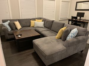 Grey U-Shaped Sectional Sofa/Couch for Sale in Atlanta, GA