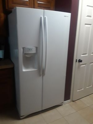 Samsung fridge for Sale in Sanger, CA