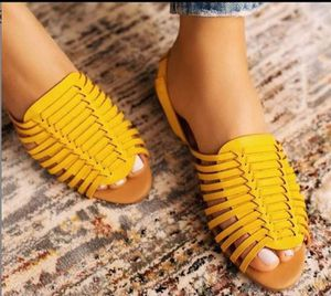 😍Beautiful Sandals😍Shipping Available for Sale in Miami, FL