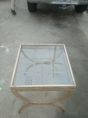 Coffee table for Sale in Lynwood, CA