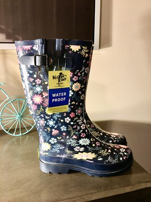 Woman's Rain boots Size (6) for Sale in Dacula, GA