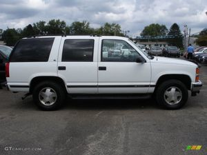 1997 Chevy Tahoe (parting out) 4x4 for Sale in Auburn, WA