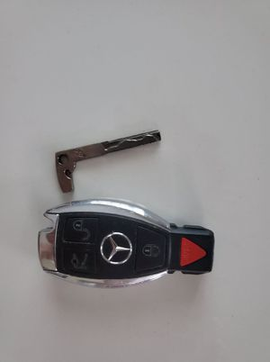 Mercedes Benz Key Fob with Key ORIGINAL for Sale in Miami, FL