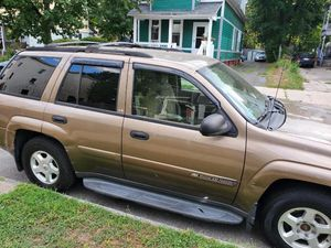 2004 Chevy trailblazer 4x4 140000 miles runs good for Sale in Springfield, MA