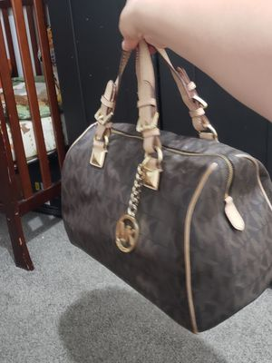 Michael Kors purse for Sale in St. Louis, MO