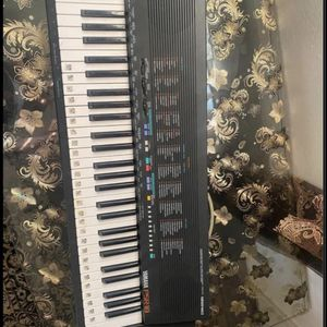 Stereo keyboard 🎹 for Sale in Livermore, CA