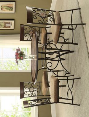 NewSarah Brown Round Dining Set for Sale in Jessup, MD