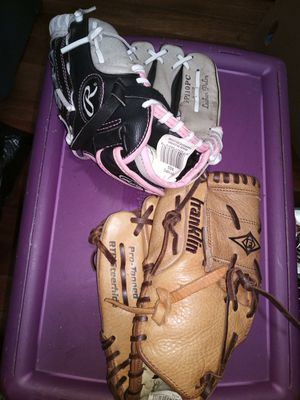 Baseball gloves for Sale in Norfolk, VA