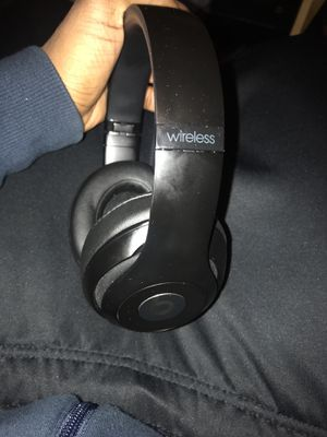 Studio Beats3 Headphones NEW for Sale in Cleveland Heights, OH