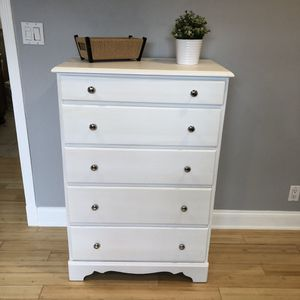 5 DRAWER SOLID OAK WOOD DRESSER CHEST for Sale in Lake Forest, CA