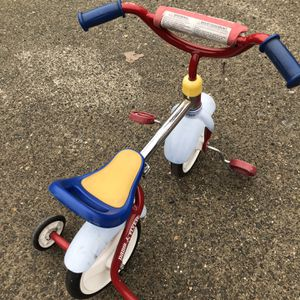 RADIO FLYER TRICYCLE for Sale in Tacoma, WA