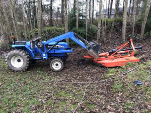 2004 New Holland TC30 Front loader Tractor for Sale in Hoquiam, WA