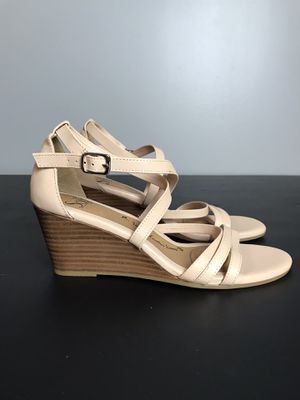 Sofft Womens Mecina Blush Cow Quilin Sandals Size 8 New without box for Sale in Tallmansville, WV
