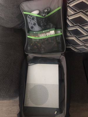Xbox One S (500gb) for Sale in Lott, TX