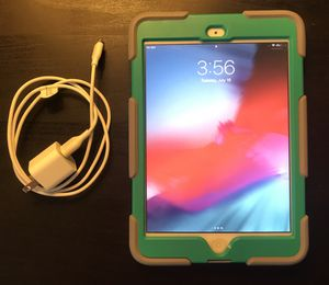Apple iPad Mini 2 (Wi-Fi + Cellular 16GB - Silver) for Sale in Alpharetta, GA