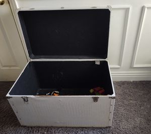 Free large storage bin for Sale in Pico Rivera, CA