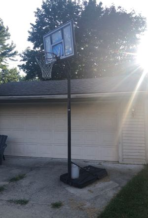 Basketball hoop 80 or best offer for Sale in Dearborn, MI