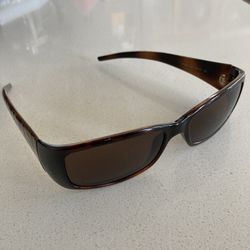 Fendi sunglasses for Sale in Portland,  OR