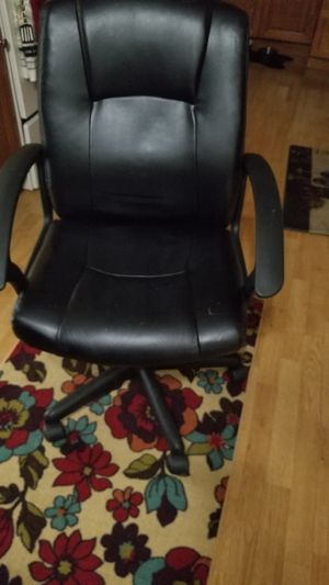 Office chair for Sale in Pompano Beach, FL
