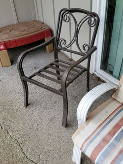 Free Patio Chairs for Sale in Beaverton,  OR