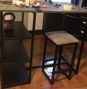High table ,bar table , kitchen table like new in very good Condition for Sale in New York, NY