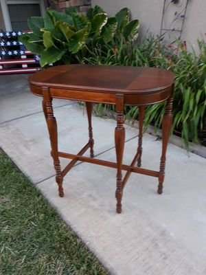 "VINTAGE ANTIQUE ACCENT TABLE (32""L×20""W×30""H) for Sale in Corona, CA"