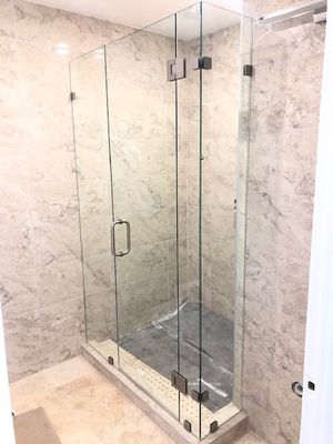 Glass shower doors $25 per sq ft for Sale in Hialeah, FL