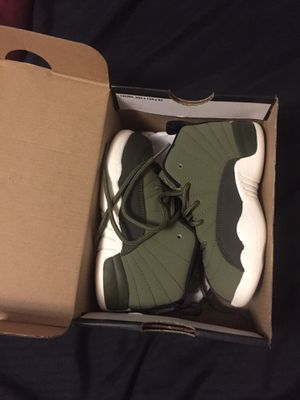 Jordan 12's size 9 kids for Sale in Wahneta, FL