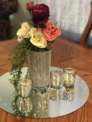 Table and Floral arrangement birthday party Xv sweet 16 bridal for Sale in Chula Vista, CA