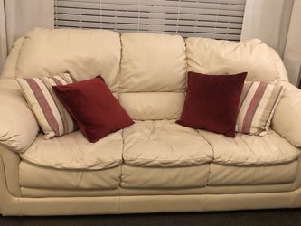 Cream Leather Couch for Sale in Nashville,  TN