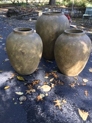 Large Tuscany type terracotta indoor/ outdoor vases for Sale in St. Louis, MO