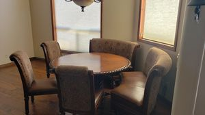 """60"""" round dining table with 3 chairs/2 leather bench seats for Sale in Young, AZ"""
