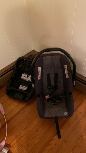 Britax car seat for Sale in Smithfield, RI