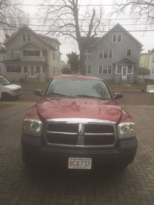 2006 Dodge Dakota 120,000 miles,Clean title in hand!Excellent Condition 4x4, No. rust or damages,Only 4500$ for Sale in Springfield, MA