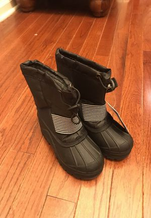 Kids snow boots size 7 for Sale in Yardley, PA