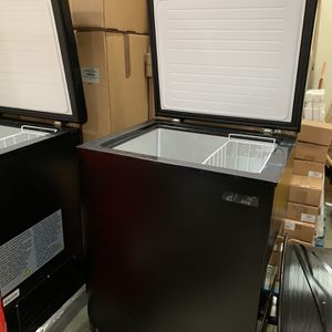 5 And 7 Cubic Ft CHEST FREEZERS for Sale in Chino, CA