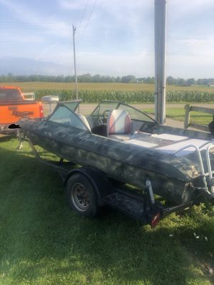 86' Ebbtide Bass Boat, 150 hp Mercury, 56Ib Thrust Trolling Motor for Sale in Columbus, OH