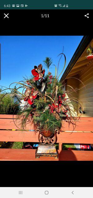 Christmas Vase Flower Bouquet Decoration for Sale in Edmonds, WA