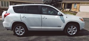 TOYOTA RAV4 FULL OPTION AUTOMATIC for Sale in Columbus, OH
