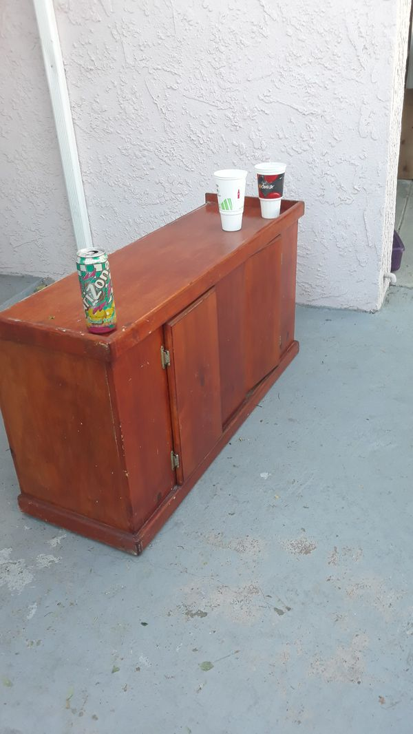 End of yardsale what's in pictures is free